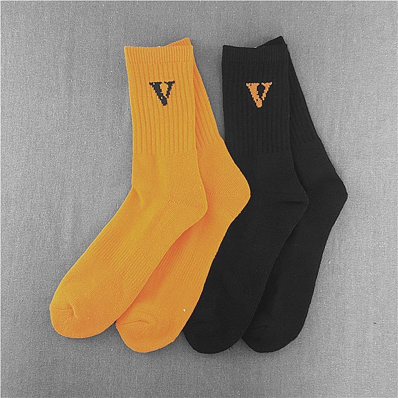 2018 men women socks Vlone letter long socks hip hop streetwear kanye west Crew harajuku Justin Bieber meias art socks sokken