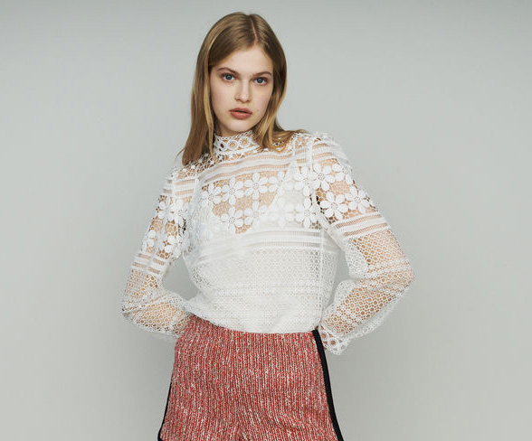 Women Shirt 2019 Spring and Summer New Openwork Embroidered Lace Shirt