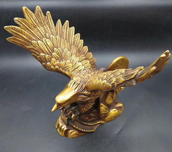 China Pure copper spreading its wings and flying eagle statue