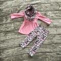 Детские зимние НАРЯДЫ для девочек 3 шт. наборы с шарф новорожденных девочек розовый топ с цветка сливы брюки устанавливает девушки цветка сливы одежда