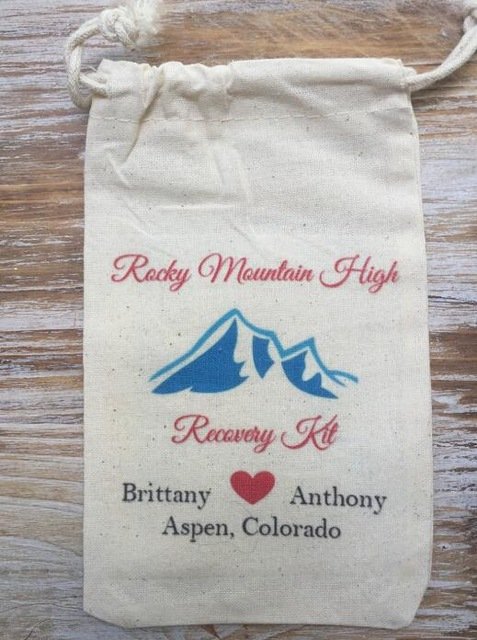Custom Rockey Moutain Destination Wedding Party Hangover Kits Jewelry Favor Muslin Bags Bachelorette Hen Bridal Shower Favors In Gift Wring