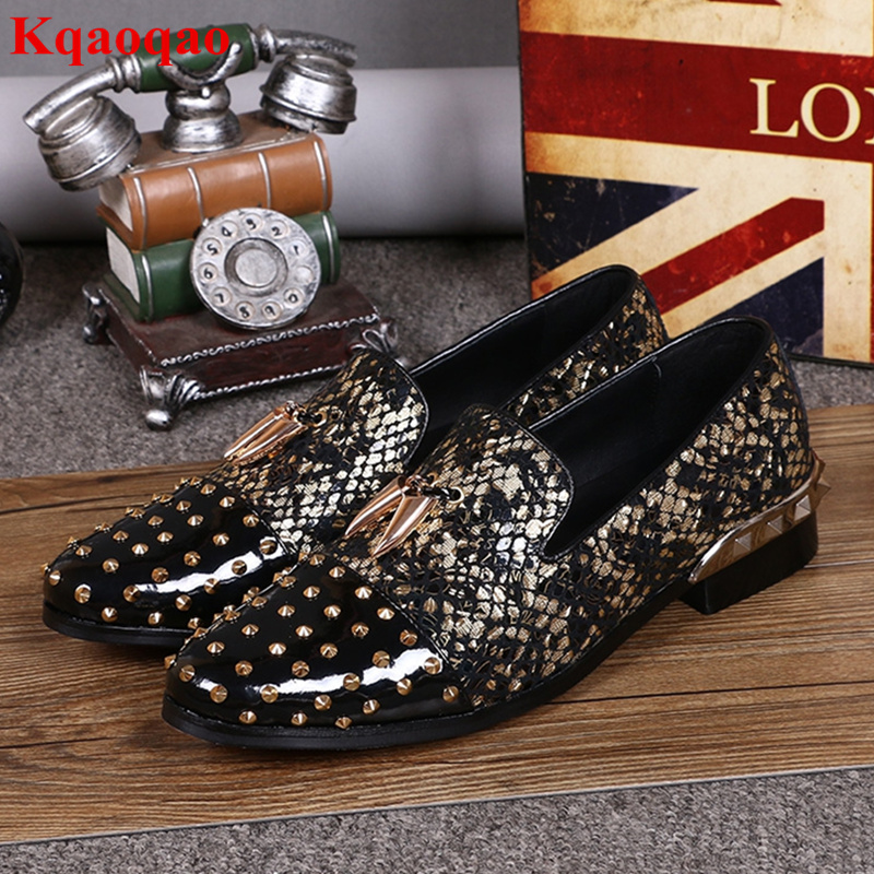 Low Top Gold Rivets Embellish Men Shoes Retro Stylish Slip On Shoes Spike Loafers Heel Party Runway Brand Leather Calzado Hombre new 2017 men s genuine leather casual shoes korean fashion style breathable male shoes men spring autumn slip on low top loafers