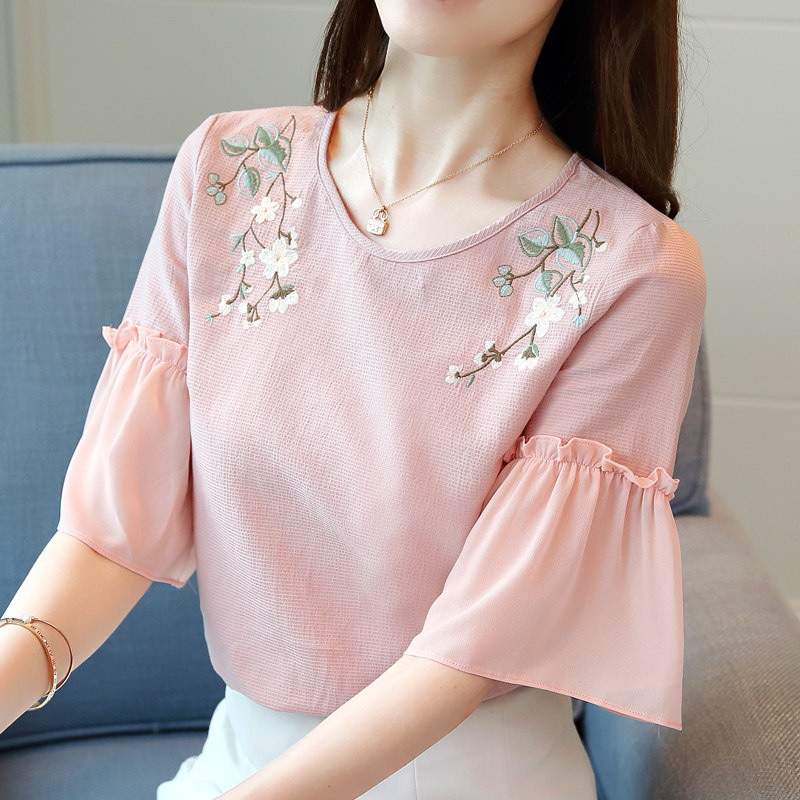 2019 Summer new fashion embroidery loose short-sleeved women's snow spinning Half Floral blouses shirts womens tops 1947 50 6