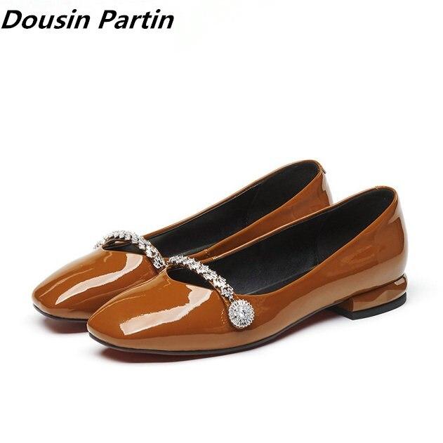 Dousin partin 2 색 갈색 검정 여성 플랫 특허 가죽 pu 여성 신발 고무 단독 라인 석 여성 신발 zapatos mujer-에서여성용 플랫부터 신발 의  그룹 1