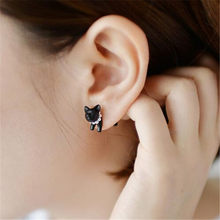 1 Piece !! Three-dimensional Animal Leopard Cat Pearl Stud Earrings 4ED124(China)