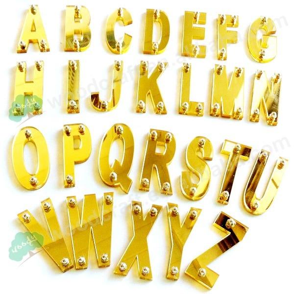 6PC / LOT Letra me shumicë akrilike Karaktere të veçanta Numrat me vida Për kapak bejsbolli Snapbacks kapelë DIY Accessories Accessories