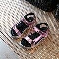2017 Nuevas chicas de oro zapatos de bebé girls summer Casual sandalias Niños zapatos niños sandalias de la Princesa zapatos de las muchachas sandalias de Color Rosa