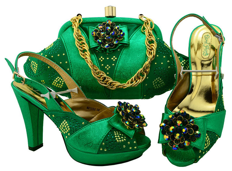 Ladies Italian Shoes and Bag Set Decorated with Green Rhinestone Color Matching Shoes and Purse Set Super High Heel MM1052