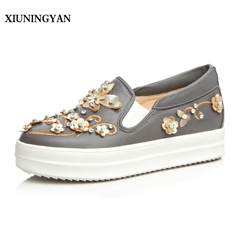 XIUNINGYAN 2018 New Fashion Flowers Genuine Leather Women Flats Casual Shoes Womens Platform Loafers Slip on Female Flat Shoes siketu sweet bowknot flat shoes soft bottom casual shallow mouth purple pink suede flats slip on loafers for women size 35 40