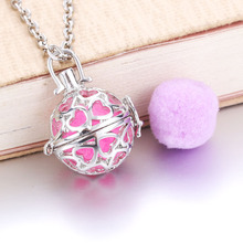 Heart Aroma Diffuser Necklace Silver Lockets Pendant Perfume Essential Oil Aromatherapy Locket Necklace With Pads 021503 new aroma diffuser necklace open antique vintage lockets pendant perfume essential oil aromatherapy locket necklace with pads