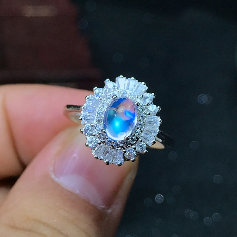925 Silver Natural Blue Moonstone lady ring glass quality is good925 Silver Natural Blue Moonstone lady ring glass quality is good
