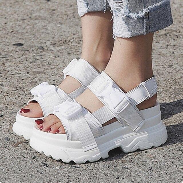 Yaz Kadın Sandalet Toka Tasarım Siyah Beyaz platform sandaletler Rahat Kadın Kalın Taban plaj ayakkabısı 393 w