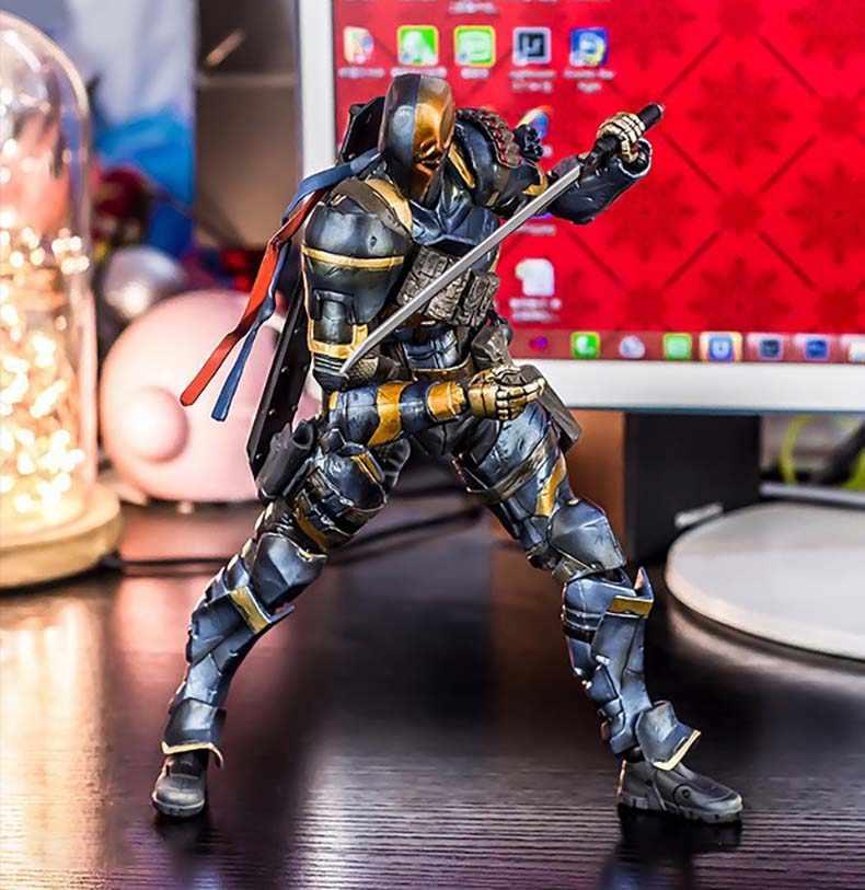 Anime Filme Batman Action Figure Modelo Playarts Kai estatueta crianças Toy Deadpool quente Jogue arts Kai Exterminador Exterminador juguetes
