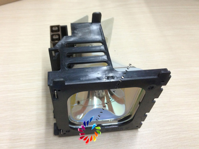 ORIGINAL projector lamp with housing DT00171 for CP-S830