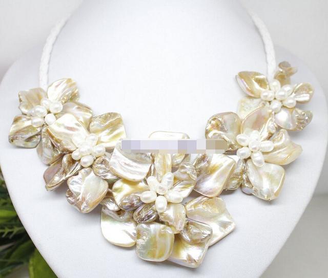 """Ddh003806 natural branco pérola shell 5 colar de pingente de flor artesanal de couro branco 18"""""""
