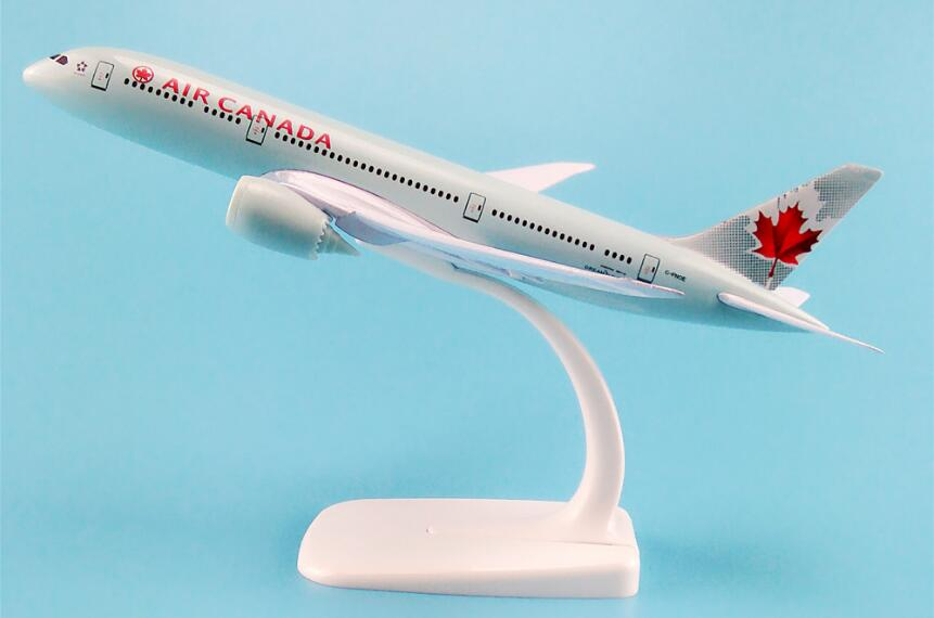 20cm Passenger plane modelB787-8 Air Canada B787-8 aircraft Metal Solid simulation airplane model for kids toys Christmas gift