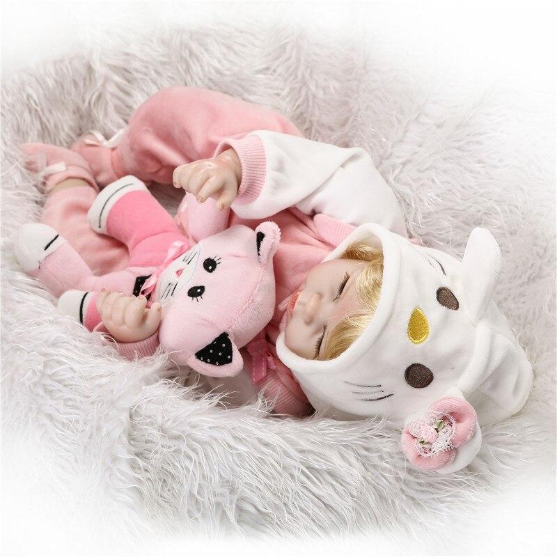 22 bebe meisje reborn poppen zachte siliconen reborn baby poppen voor kinderen gift blond haar pruik met kat pluche pop magnetische fopspeen b - 4