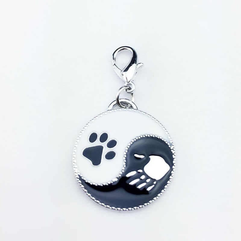 2 pçs/lote DIY pingente Pet Animais pegadas charme cão decoração Fofocas Keychain pingentes acessórios para homem presente transporte da gota