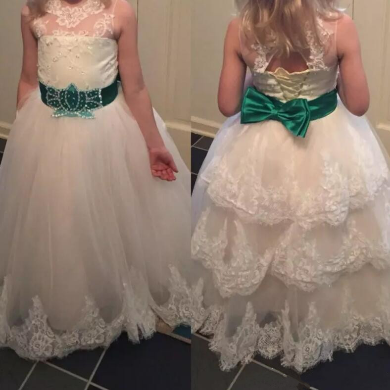 White/Ivory Ball Gown Flower Girl Dresses For Wedding with Belt Lace Appliques Tiered Girls Pageant Gowns Lace Up tiered frill trim lace up cami top