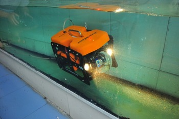 ROV110 Underwater Robots With 2 High Lumen LED Spotlights for Underwater Researchers