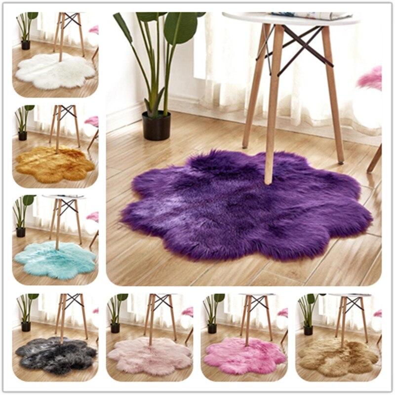 Tapis en peau de mouton artificielle douce tapis en forme de fleur tapis de chambre à coucher laine artificielle tapis poilu chaud tapis de fourrure