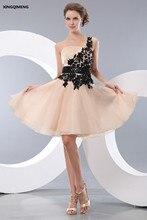 Champán Encantador Atractivo Sin Tirantes de Un Hombro Vestidos de Cóctel de Encaje Longitud de La Rodilla Vestido De Cóctel Corto de Baile Vestido Formal Del Partido