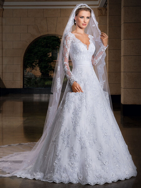 new style long sleeve bridal gowns v neck court train a line lace vintage