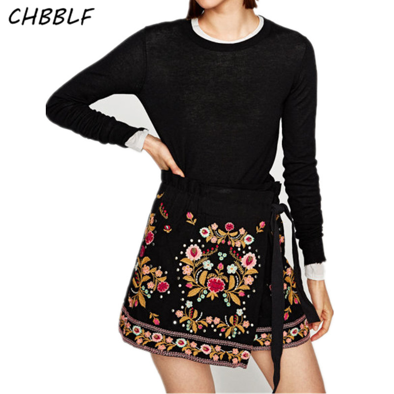 New Europe fashion rivet decorate lady embroidered   shorts   elastic waist   shorts   skirts BGB7202