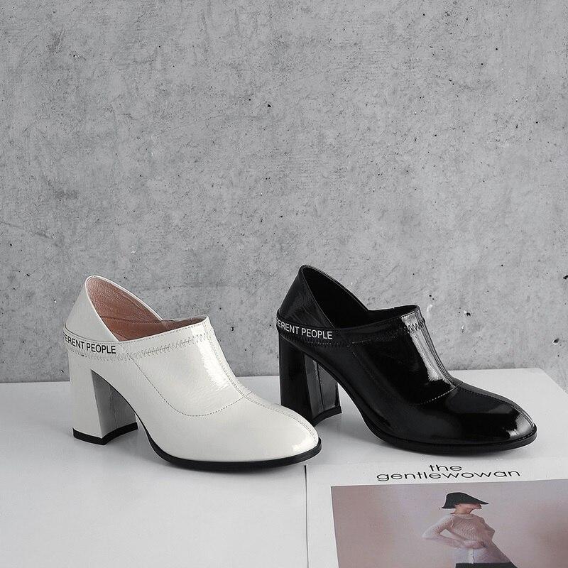 white Nouvelle Cuir De Mode Zvq Qualité Haute En Verni Black Talons Chaussures Noir 2019 Sexy Super Blanc Sabot L'extérieur Femmes À Pompes w4rqtv14