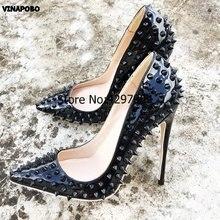 c55ba2922 Vinapobo Mais Recente Preto Cravejado Bombas Couro de Patente Das Senhoras  Stilettos Pointy Toe Sapatos de