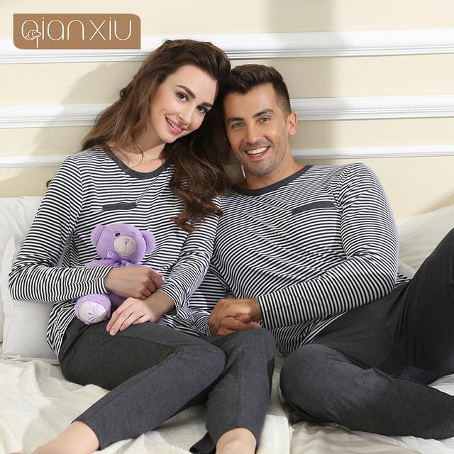 Qianxiu Pijamas Mulheres Sleepwear Ocasional Em Torno Do Pescoço de Manga Comprida de Malha Conjunto De Pijama Homens Desgaste Salão