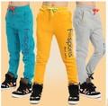 Продается 2015 весна осень дети мальчиков бренд печать спорт хлопок свободного покроя удобные брюки мальчик спортивная школа брюки