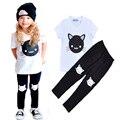 2017 мода девочка комплект одежды лета мультфильм кошка с коротким рукавом футболка + брюки 2 шт. детская одежда костюм случайные девочка комплект одежды