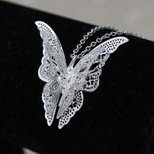 Bling-World Brand  Lovely Butterfly Pendant Chain Necklace Women Jewelry Delicate New Gift