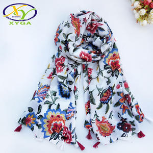 1PC Cotton Luxury Scarves Women 2018 Long Tassels New Polyester Ladies Scarves High Quality Soft Fashion Summer Shawls Female