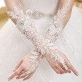 Роскошные Кружева Цвета Слоновой Кости Свадебные Перчатки Без Пальцев 2016 Женщина Длинные Свадебные Перчатки 2017 Кристалл Свадебные Аксессуары для Невесты