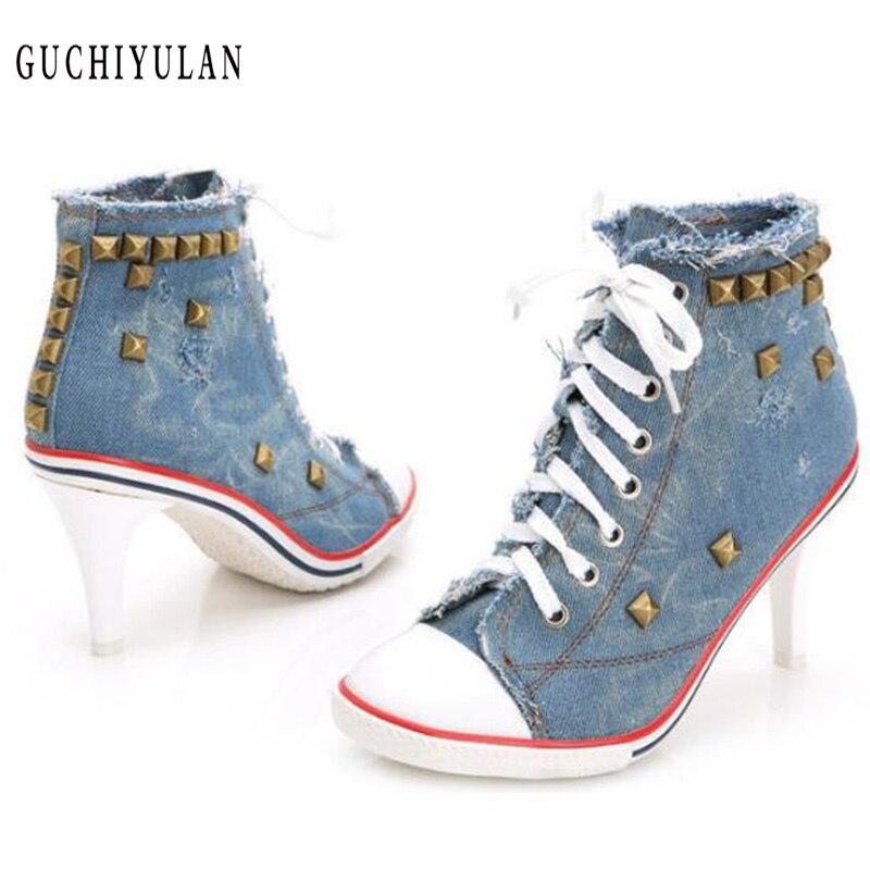 Сезон: весна–лето пикантная обувь на платформе на каблуке с заклепками женская обувь Модные женские туфли-лодочки джинсовой ткани на высок...