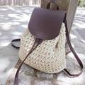 2017 Verano Bolsa de Paja Crochet Bolso Que Hace Punto de Las Mujeres de Playa Bolsas de Cordón Mochila Vides Sackpack Cubierta de Cuero Ahuecan Hacia Fuera