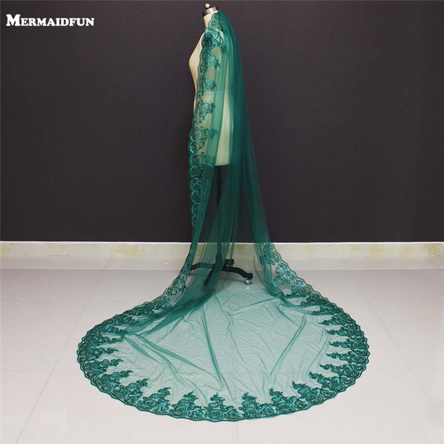 2019 Real Photos Bling Sequined Lace Edge One Layer Green Wedding Veils with Comb Cathedral Bridal Veils Wedding Accessories