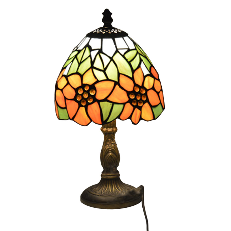 Tiffany small table lamp country sunflower stained glass for Glass bedside lamp shades