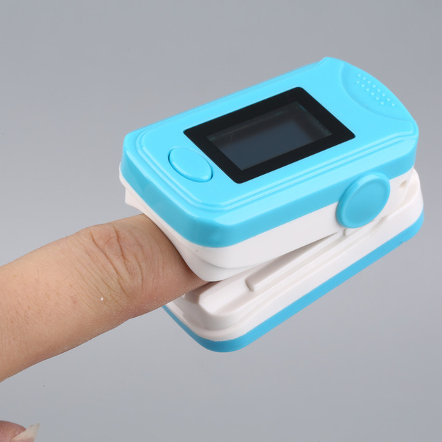 Finger Tip Pulse Oximeter Blood Oxygen Saturation Monitors Five Colors Hot Selling
