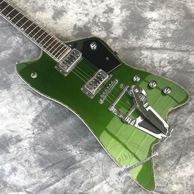 Custom Metallic green body, Bigsby Tremolo, white hardware 2