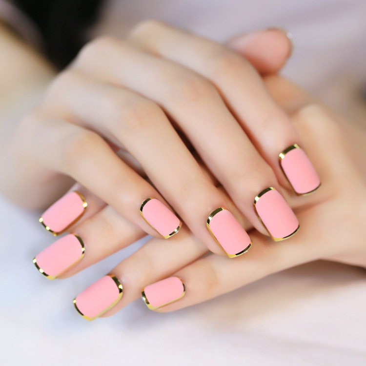 24pcs Full Frame Frosted Fake Nails with Golden Sides Short Square ...