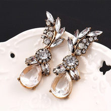 LUBOV Fashion Summer Style White Leaf Crystal Acrylic Earrings Irregular Geometric Figure Big Crystal Water Earrings Women Gift