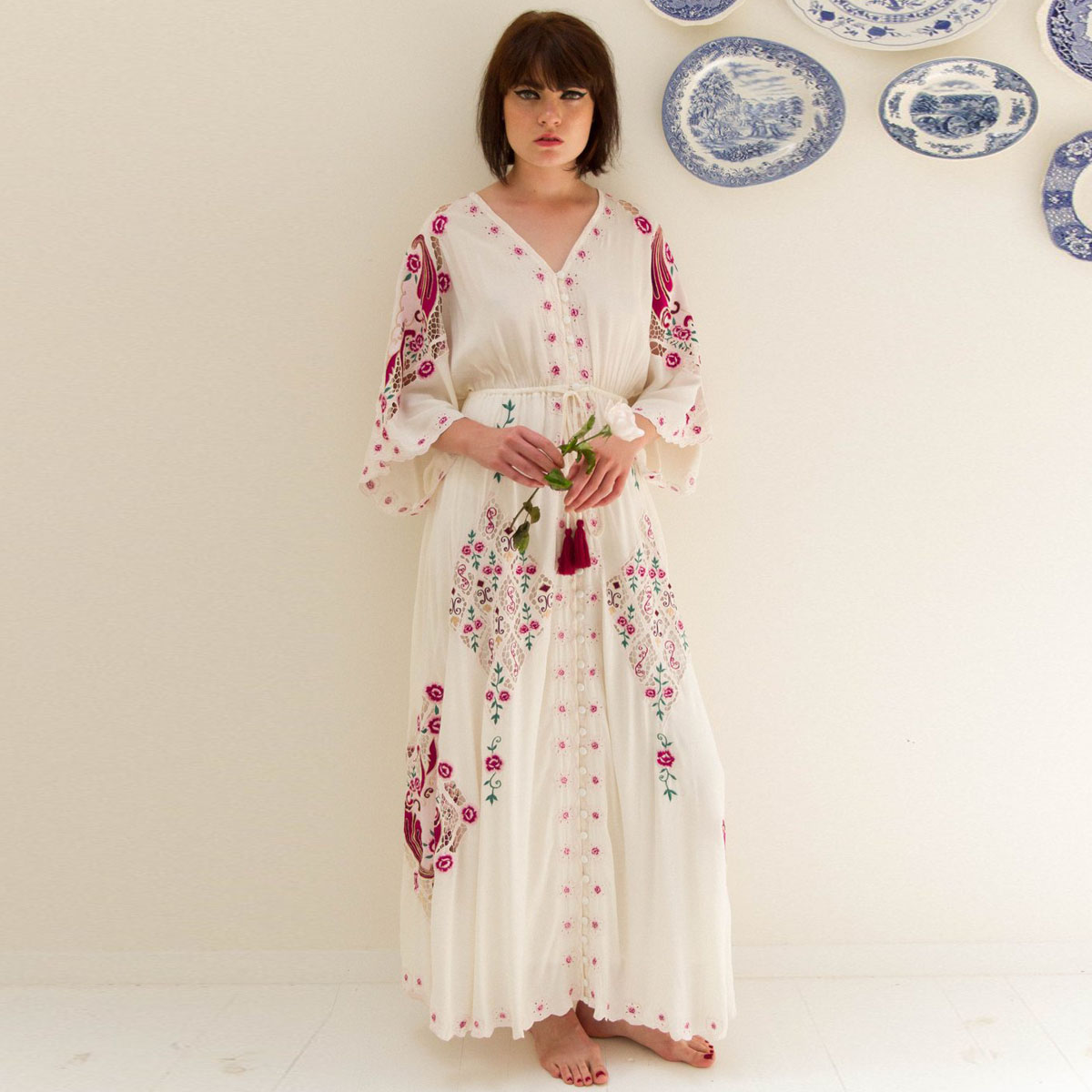 Jastie Floral Brodé Boho Robe Col V Manches Chauve-Souris robes de femmes Lâche grande taille Longue robe maxi Robes D'été Robes