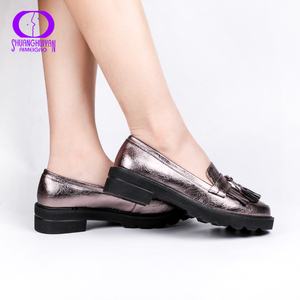Image 2 - AIMEIGAO Spring Autumn Tassels Oxford Shoes Women Platform Slip on Shoes Women 2019 Shiny Round Toe Casual Leather Flats Shoes