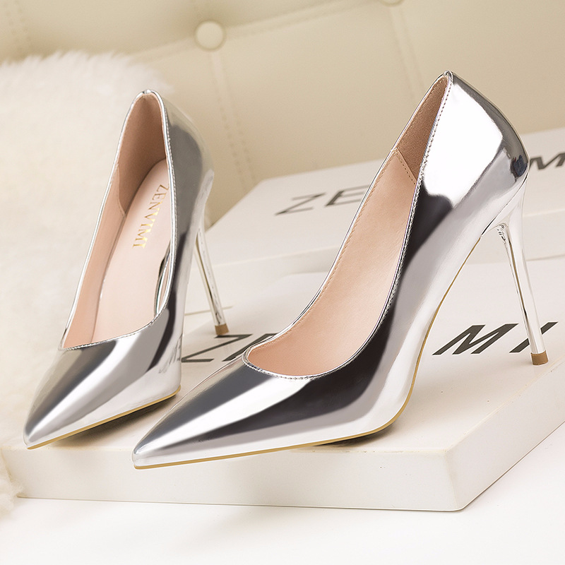 New Fashion Simple and Fine with High-heeled Metal Shallow Mouth Pointed Slim Sexy Nightclub Women Single Shoes Wedding ShoesNew Fashion Simple and Fine with High-heeled Metal Shallow Mouth Pointed Slim Sexy Nightclub Women Single Shoes Wedding Shoes