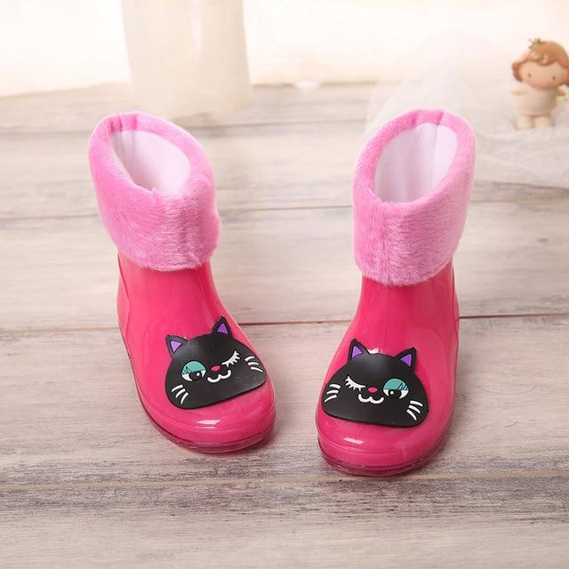 Бренд Обувь для девочек противоскользящие резиновые сапоги с бархатными Новая мода Дизайн малыш мультфильм дождь Сапоги и ботинки для девочек Обувь для мальчиков осень-зима теплые непромокаемые Сапоги и ботинки для девочек