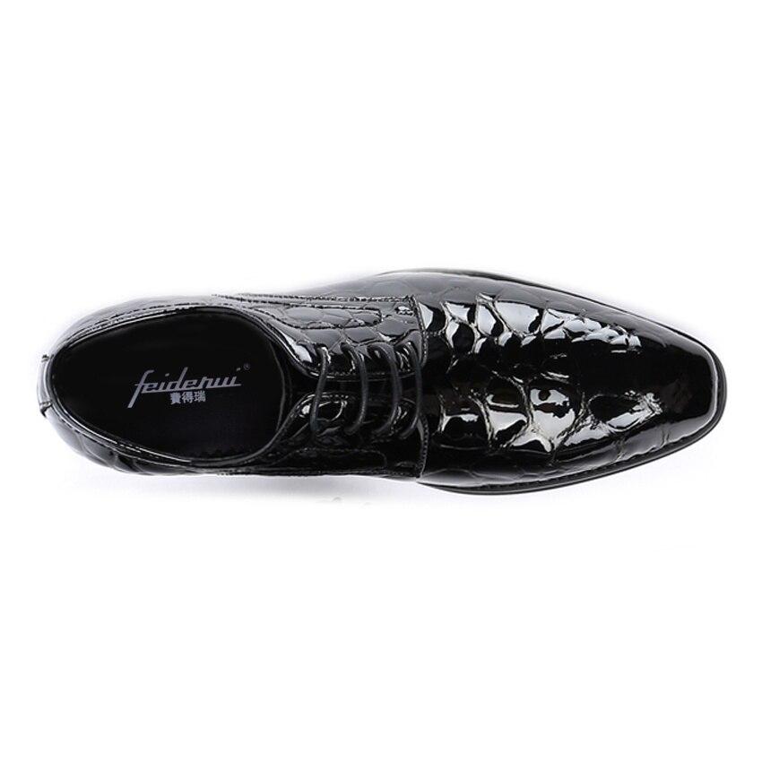 De Couro Formal Ymx690 azul Sapatos Handmade Preto Do Banquete Homem Redondo Designer Pé Mens Vestido Luxo Esculpida Dedo Calçados Casamento Pantent Derby gtxBxdvqw