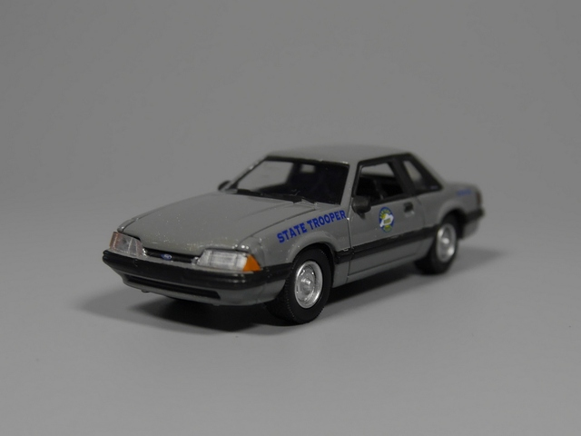 Auto Inn Greenlight 164 1991 Ford Mustang STATE TROOPER Diecast